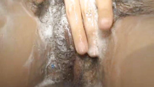 میک آبی فیلم سکسی مادر زن یک ستاره پورنو کاشت.