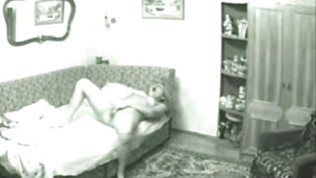 بنشینید و با مردانی که sexمامان دستگاه تناسلی زن دارند ، دوست داشته باشید.