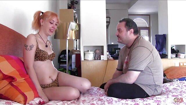 بلوند با هیکل sex مامان تنومند و با همکارش.