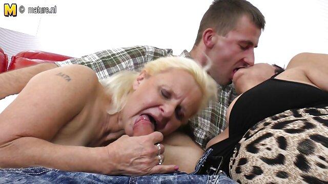 چه واژن زیبایی. فلم سکس مامان