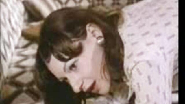 منجمد شده در چشمان قهوه ای. سکس مامان و خاله
